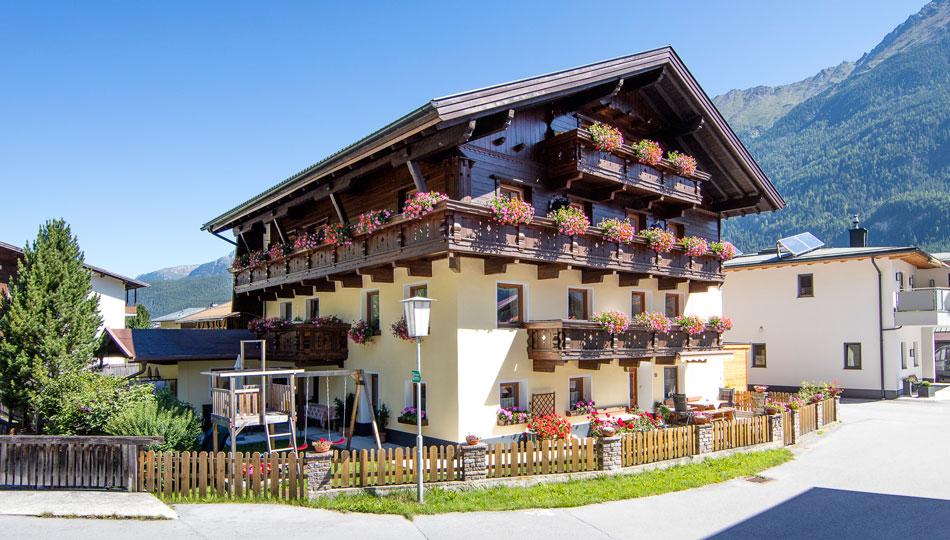 Root Zimmer Ferienwohnungen In Langenfeld Albert N Haus